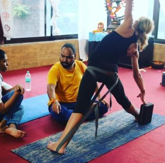 200-hour-yoga-ttc-in-india-rishikesh